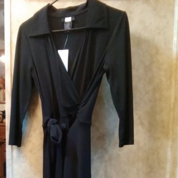 Dresses & Skirts - 🛍️NWT🛍️ New Black cocktail dress